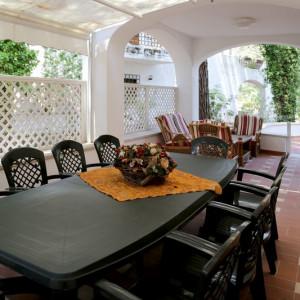 Tavolo con Sedia alla Veranda