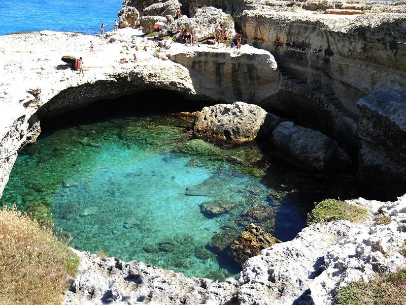 Un tuffo nel Salento: la Grotta della Poesia a Roca Vecchia - Residence CampoVerde